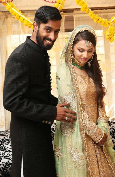 Rafia婚禮當天,新郎笑逐顏開,新娘嬌羞無比。 記者潘俊宏/攝影