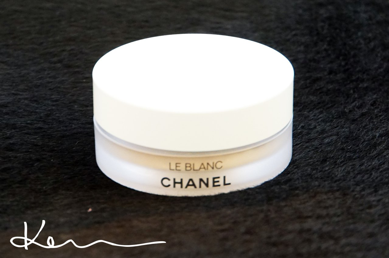 香奈兒. 珍珠光感超淨白防曬蜜粉 高UV版 SPF50 PA+++。Kevin提供