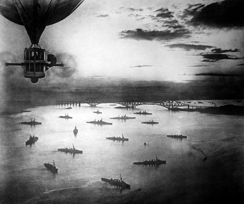 決戰前的準備。1916年集結於蘇格蘭福斯灣的英國海軍第二戰艦分艦隊。英軍在5月3...