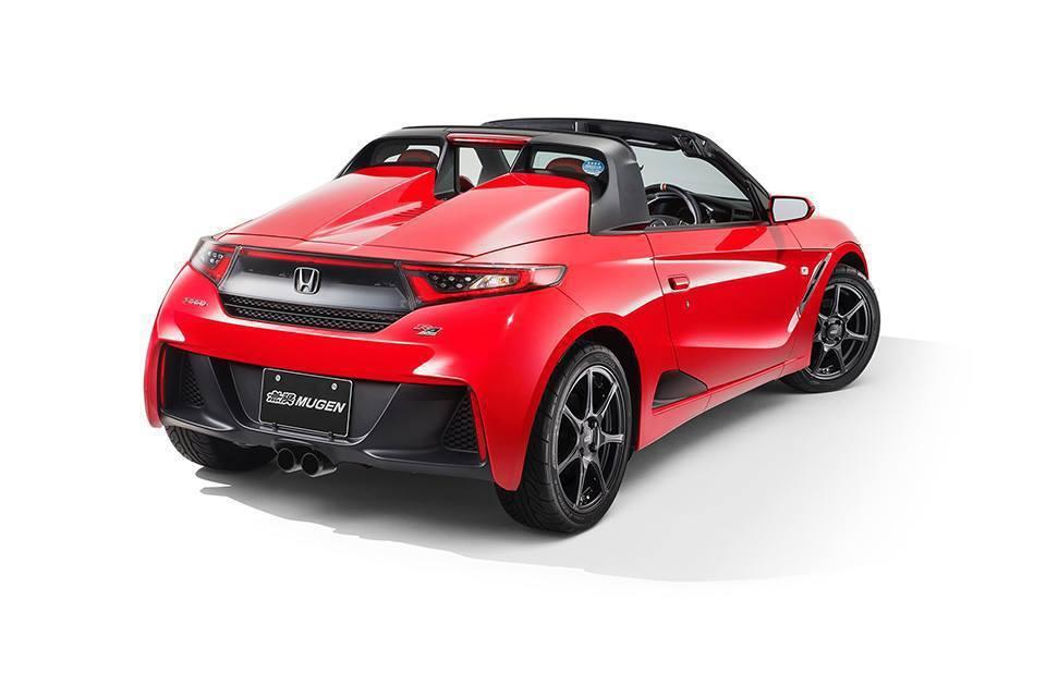 外觀部分大抵維持原先既有的車身線條,輪胎採用全新15吋BBS鋁合金輪圈。 摘自carscoops.com
