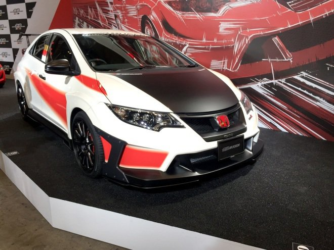2016日本東京車展上Mugen無限曾展示一款熱血沸騰的Honda Civic Type R,引起不少話題。 摘自Honda.com