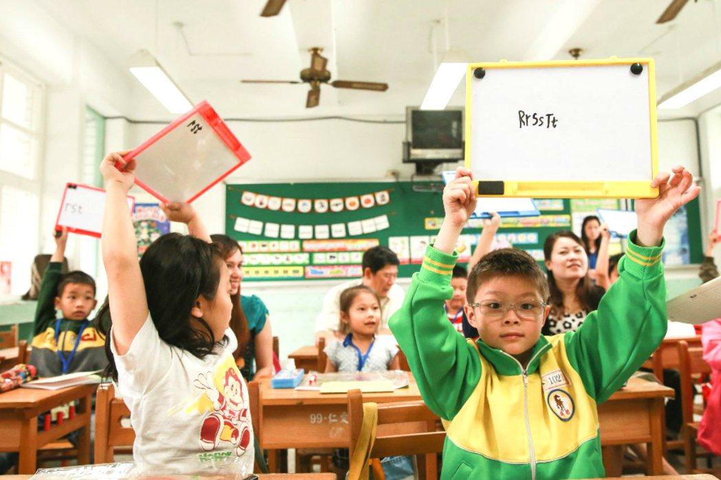 新住民子女學習外籍配偶之母語教學課程。 圖/聯合報系
