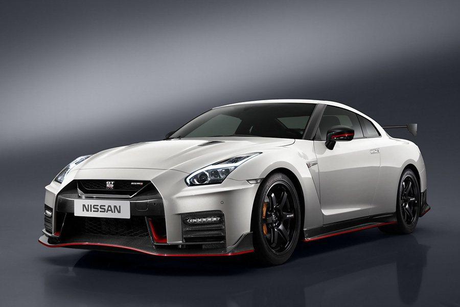 2017年式 Nissan GT-R NISMO除了動力比標準車款強之外,操控更獲得了原廠技師的強化。 Nissan提供