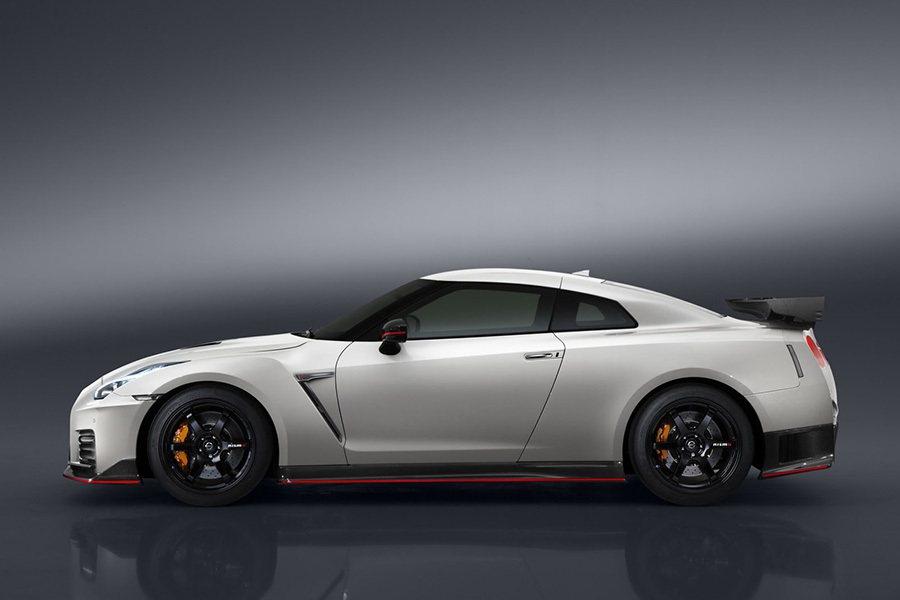 搭配6速雙離合變速箱系統,0至每小時100公里加速估計僅需2.8秒。 Nissan提供