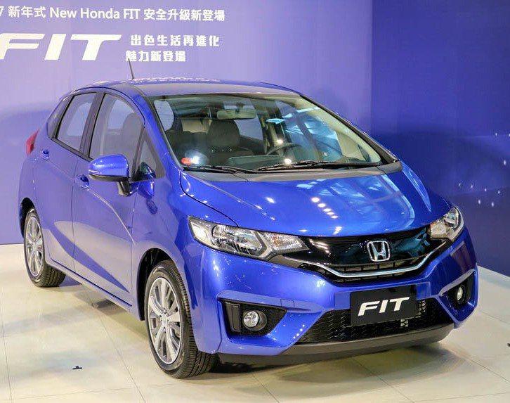 Honda端出安全大餐,全車系標配7大主動安全系統,也包括2017新年式New Honda FIT在內。 記者史榮恩/攝影