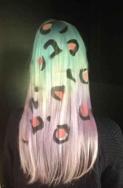 將豹紋copy到頭髮實在是個wild的選擇。圖文:悅己網