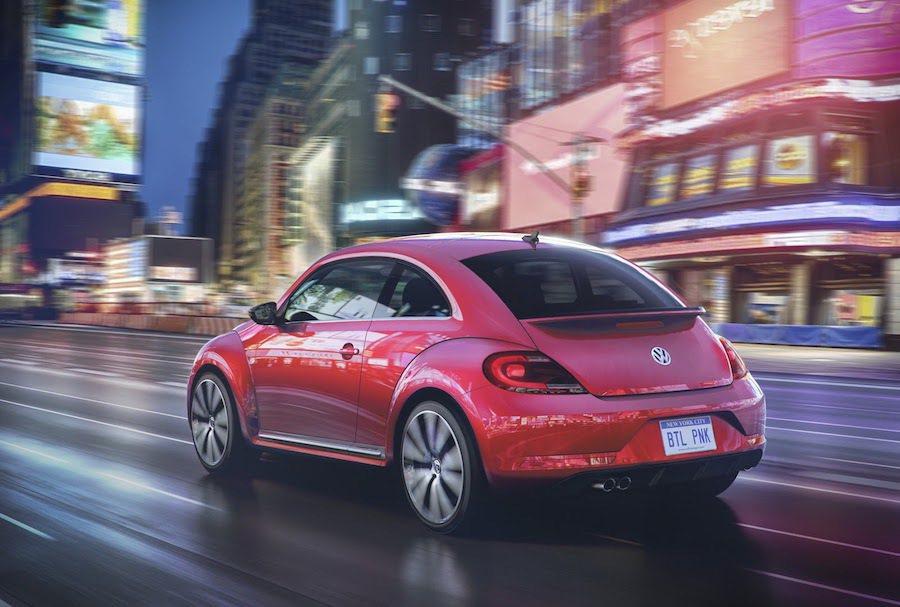 這輛#PinkBeetle僅在北美販售。 Volkswagen提供