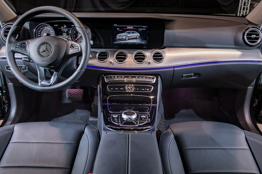 E系列座艙設計鋪也比照S系列的風格和奢華與科技感。