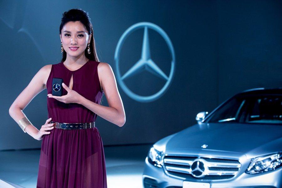 發表會現場同步推出全新Mercedes-Benz Star 賓士王者之星男性香水。