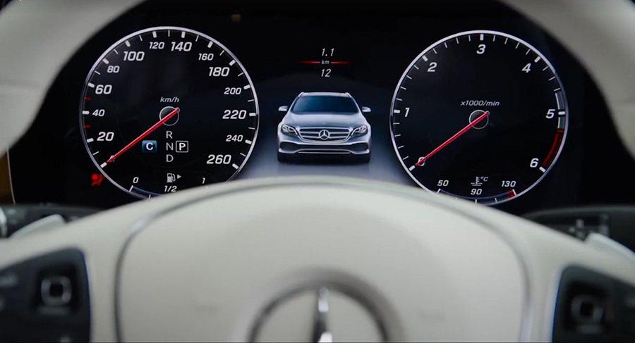 Mercedes-Benz賓士汽車這次直接在官方Facebook臉書頁面發佈了一...
