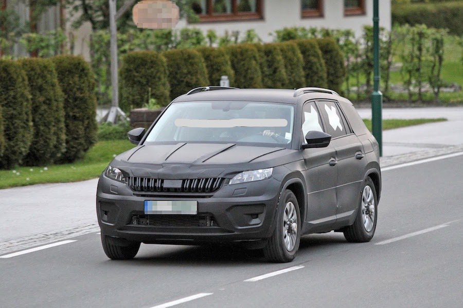 Skoda Kodiaq偽裝車再度被捕獲。 摘自Carscoops.com