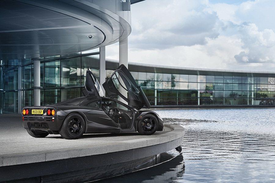 有些車況不錯的 McLaren F1能以超過1千萬美金的價格轉手賣出。 McLaren提供