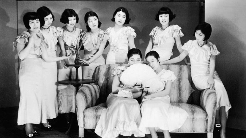 除了改善日本的羞赧的社交性,資生堂在三零年代還推出了「近代美容劇」,提供美容與化...
