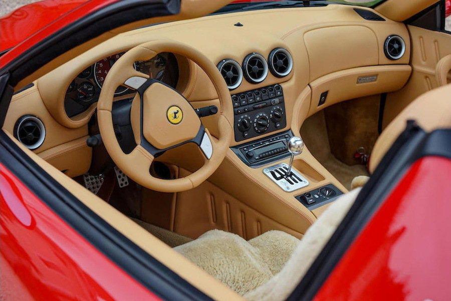 這輛Ferrari的外觀內裝皆被保存得非常完好。 摘自Carscoops.com
