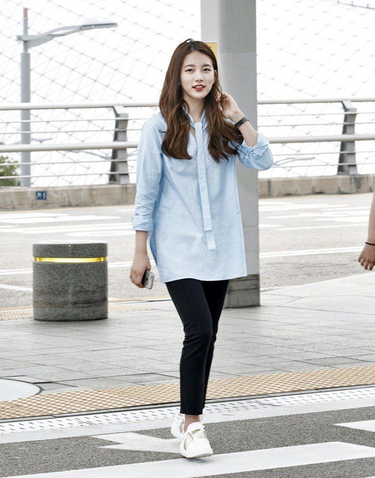 韓國人氣女星秀智也穿過Open Sneakers。圖/Valentino提供