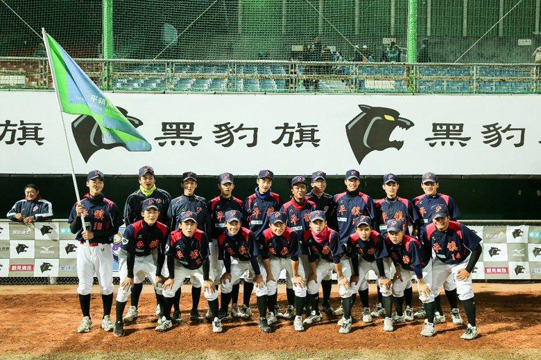 有台灣甲子園之稱的黑豹旗吸引眾多棒球社團參加。 圖/聯合報系資料照片