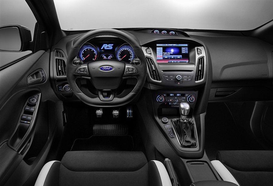 現行Focus車款大面積的中控台。 摘自Ford