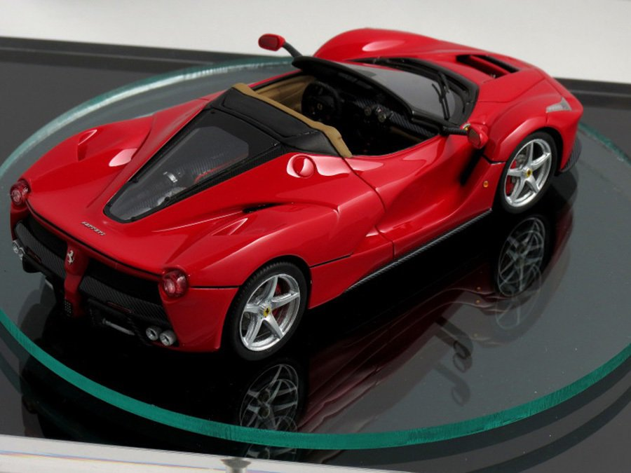 Kane&Co.公司生產的1/43 Ferrari LaFerrari Spider模型車 摘自carscoops.com