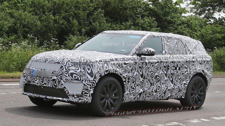外媒最近首次捕捉到全新Range Rover Sport 測試車。 摘自Mot...