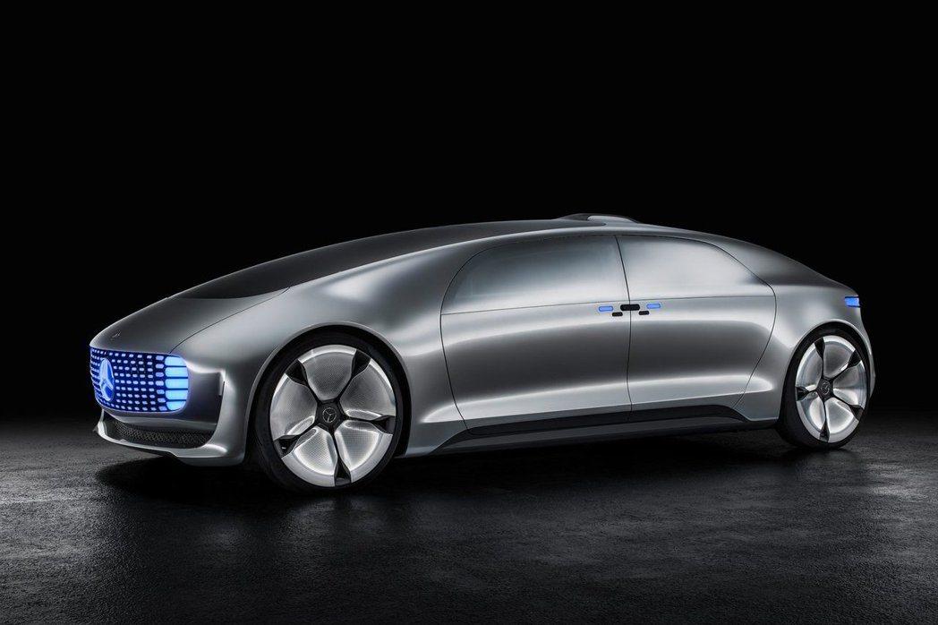 M.Benz未來也會針對電動車款方面推出專屬系列,即便四門豪華房車也有可能推出電動版本。 摘自M.Benz