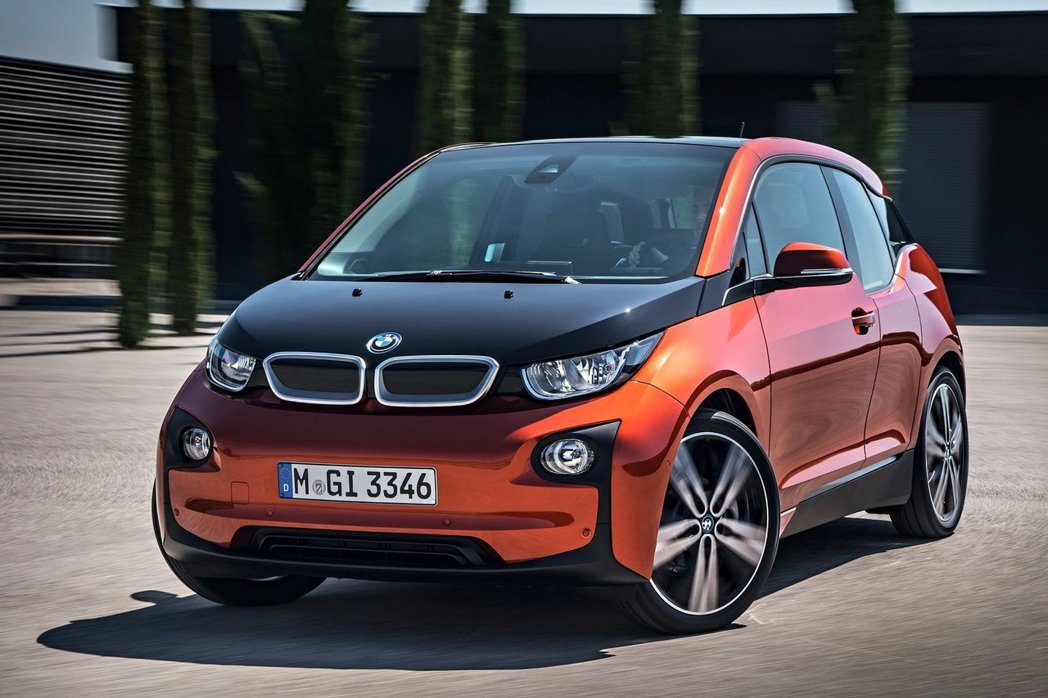 BMW i系列電動車受到車迷相當大的關注,但受限國內法規與相關充電問題,多數消費者仍持觀望態度。 摘自BMW