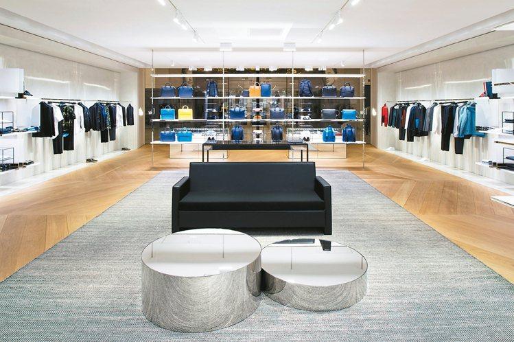 全新的Dior Homme微風信義概念店,以招牌的黑色為整體店面的顏色主調。 圖...