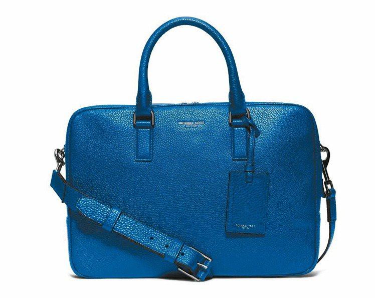 Michael Kors寶藍色公事包 ,24,700元。 圖/Michael K...
