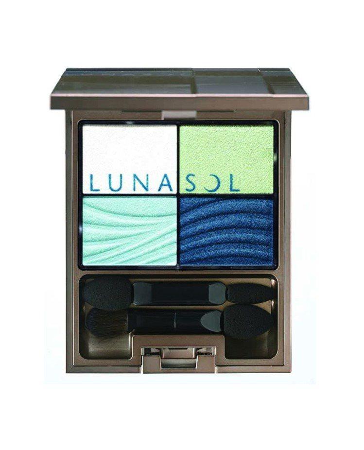 佳麗寶LUNASOL晶巧光燦眼盒(澄色)#EX01海洋藍,售價1,800元。圖/...