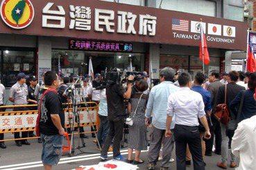 台灣人內部「敵我現象」激化,誰最高興?