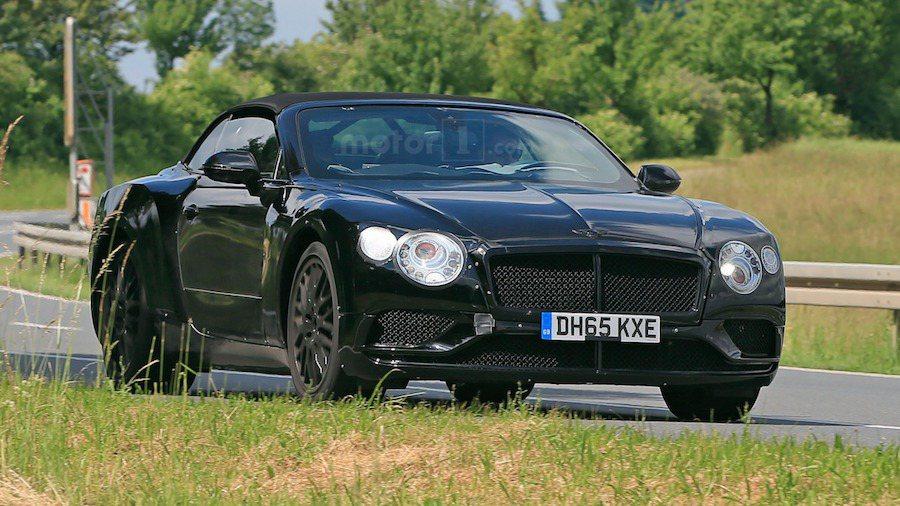 外媒最近首次捕獲全新Bentley Continental GT敞蓬測試車。 ...