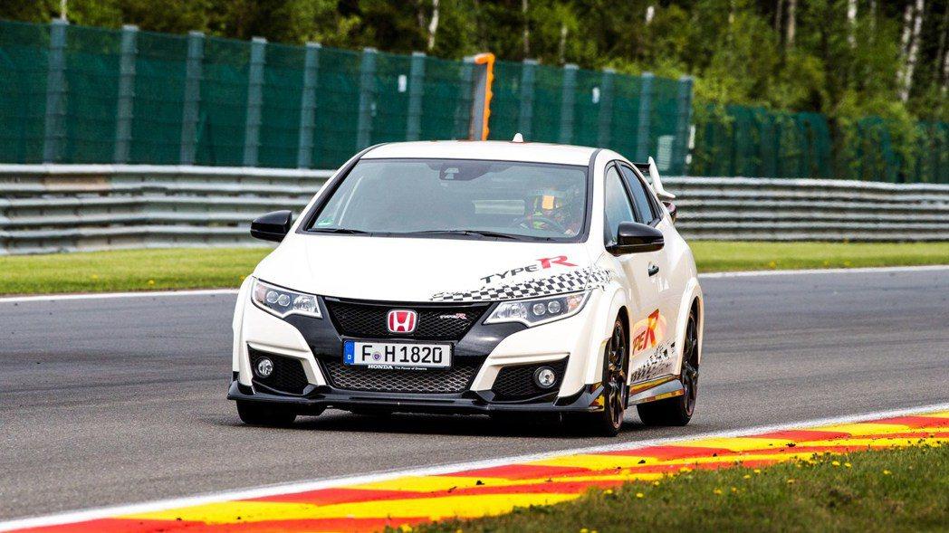 Honda也接連在Spa Francorchamps賽道與Monza賽道,拿下最...