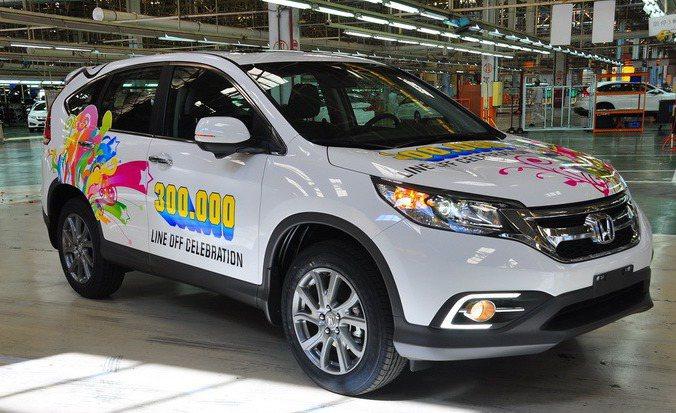 Honda Taiwan第30萬輛生產車款是創下史上最暢銷休旅車的紀錄CR-V。 圖/Honda Taiwan提供