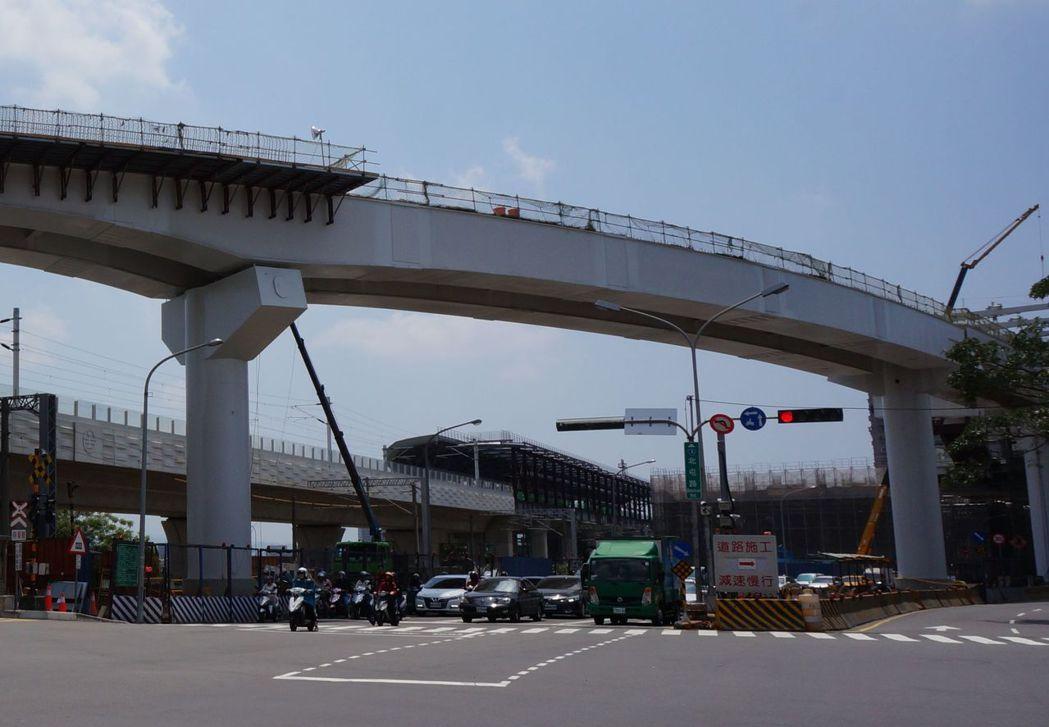 台中市捷運綠線工程進度超前,截至5月底止,整體工程實際進度64.19%,預計朝向...