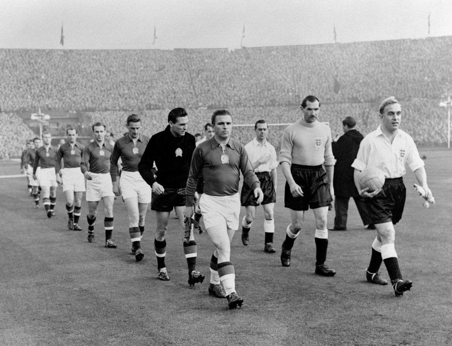 1953年於溫布利球場舉行的匈牙利對上英格蘭的友誼賽,最終匈牙利以6比3擊敗地主...