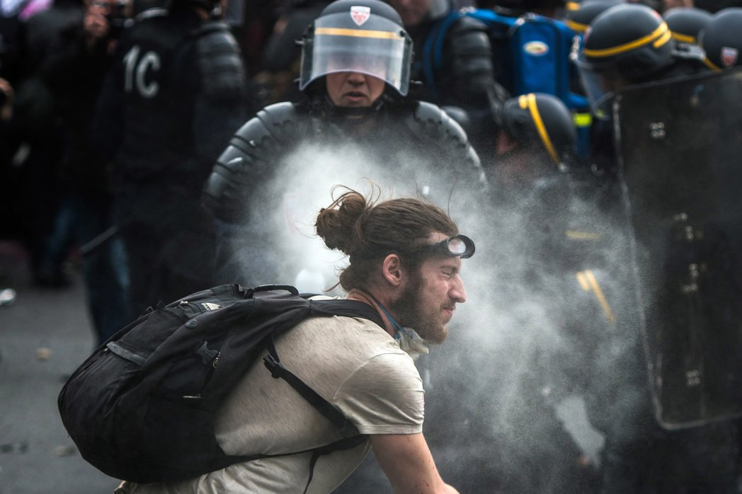 從今年初開始,法國人已發動第九次大罷工,最近一次大規模的遊行在6月14日。 圖/...