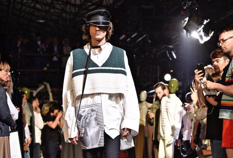 離開Dior的Simons今年重返佛羅倫斯Pitti Uomo男裝展。圖/歐新社