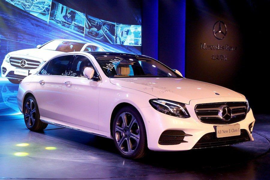 北京奔馳最近宣布該廠已開始生產全新E系列長軸版。 Mercedes-Benz提供
