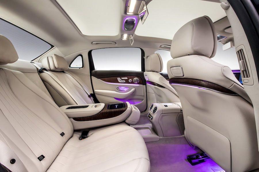 長軸版本的軸距較原始車型多了140mm,也讓腿部空間增加了134mm。 Mercedes-Benz提供