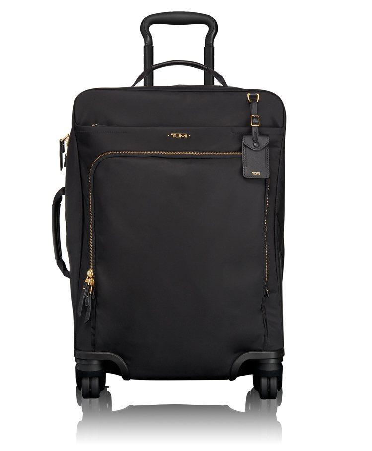Tumi黑色Voyageur 20吋四輪行李箱,21,200元。圖/Tumi提供