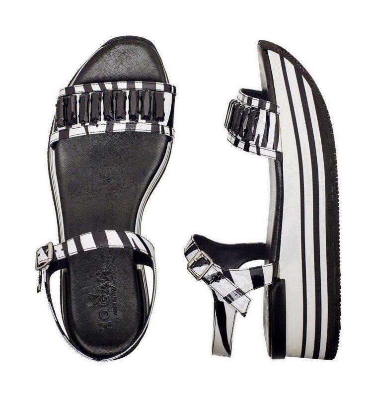 黑色水鑽裝飾斑馬紋繫踝厚底涼鞋,售價26,200元。圖/HOGAN提供