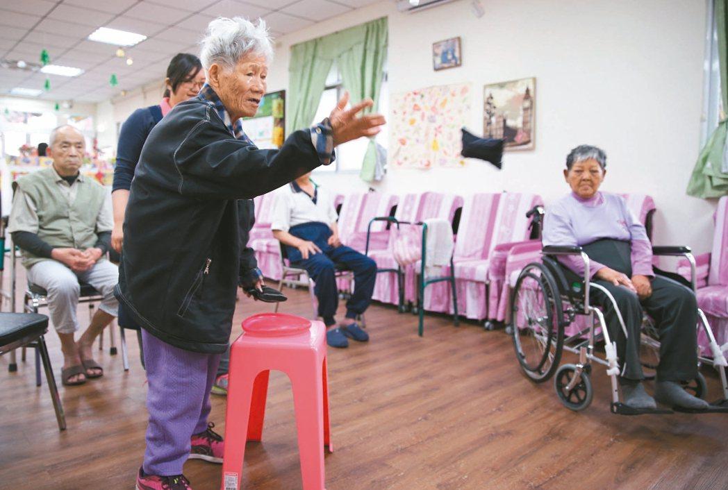 全台小鎮人口最少的台東關山,街上的幼兒園,而今已改為關山日照中心,當年是兒童嘻鬧...
