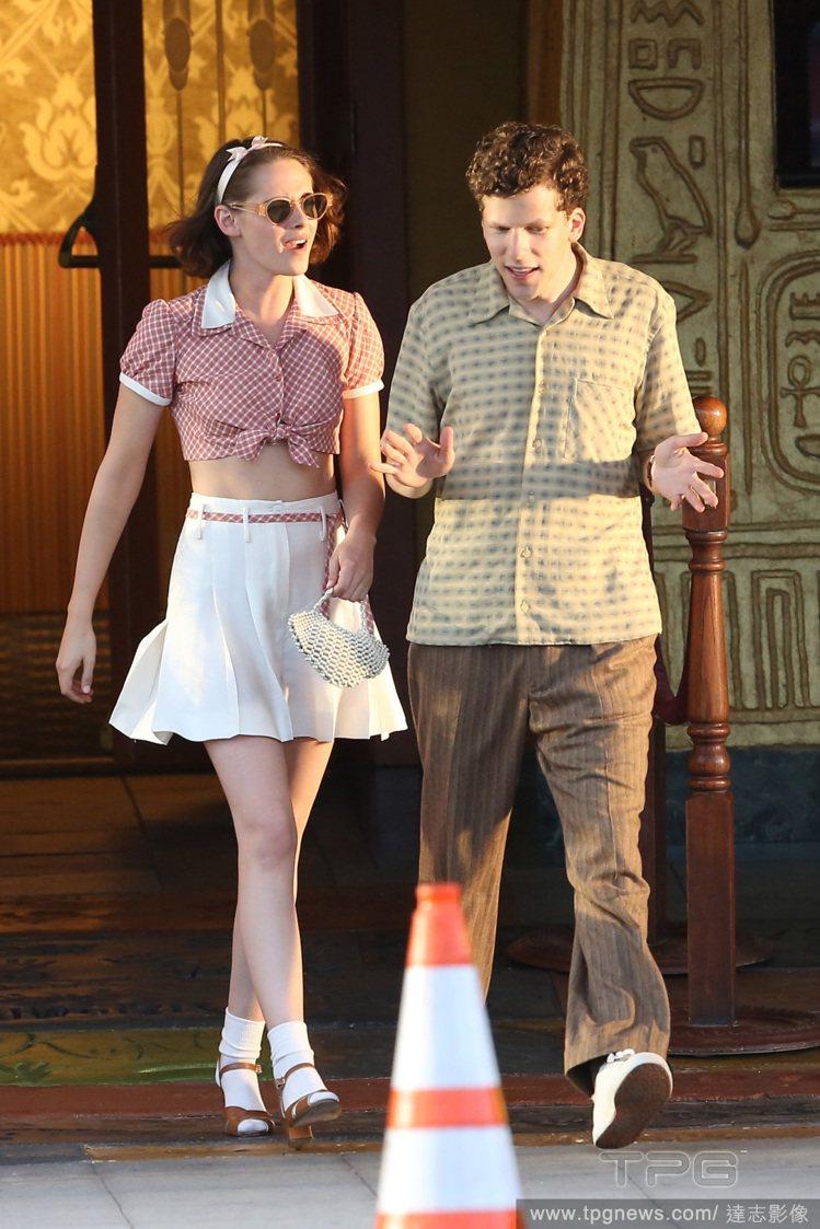 伍迪艾倫導演的新片《咖啡‧愛情》,包括克莉絲汀史都華、布蕾克萊佛莉、傑西艾森柏格...