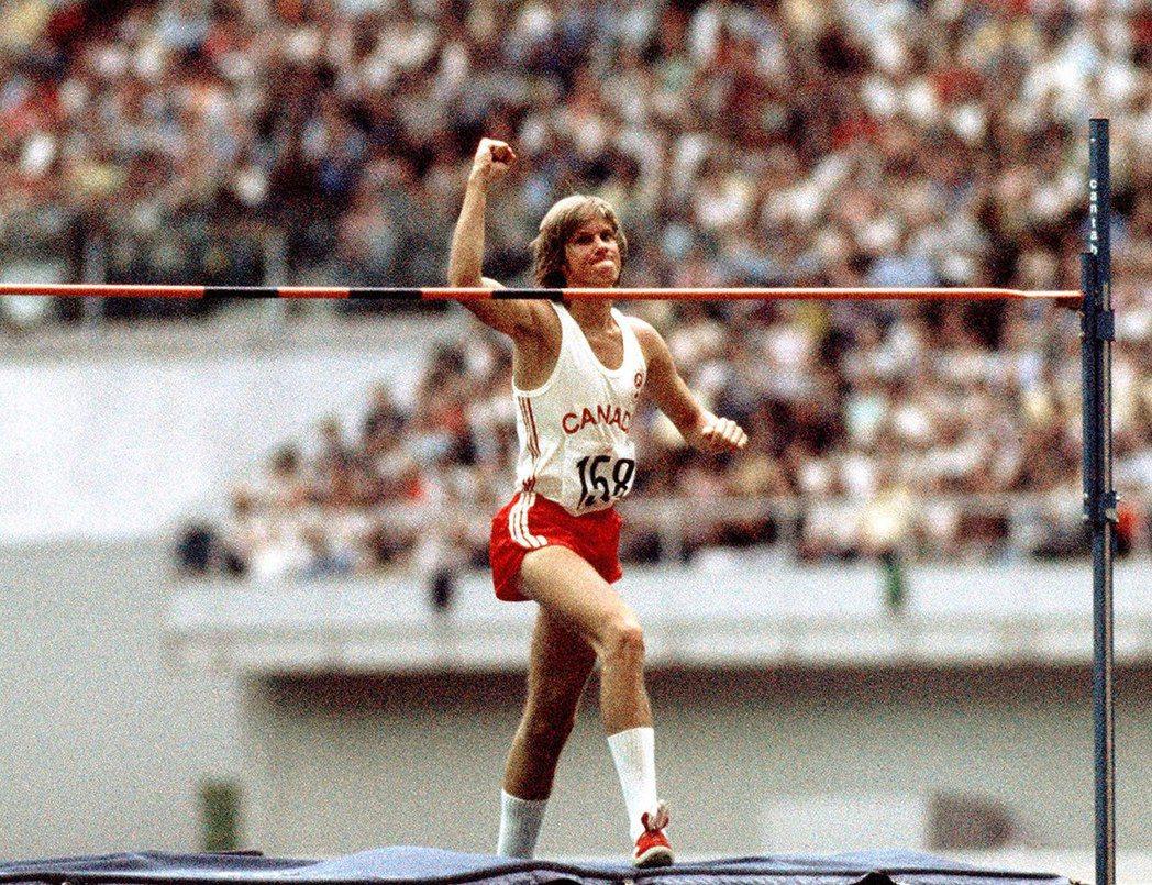 加拿大選手喬伊(Greg Joy),在男子跳高的競技項目獲得銀牌——這也是197...