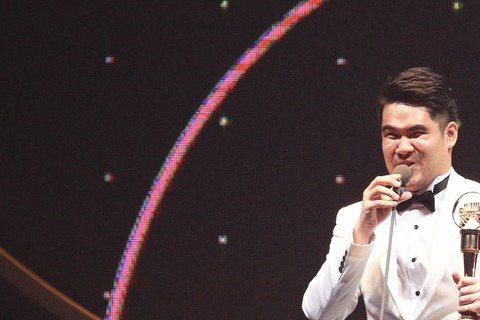 27屆金曲獎 ,演奏類最佳作曲人獎由黃裕翔獲得。