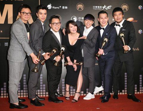 蘇打綠獲得最佳編曲人獎與最佳樂團獎。