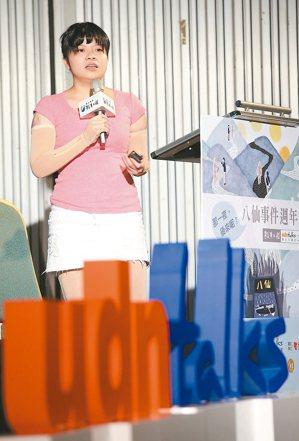 簡苑玲25歲,台大研究生第一次和朋友參加粉塵派對,簡苑玲卻慘遭火吻,全身百分...