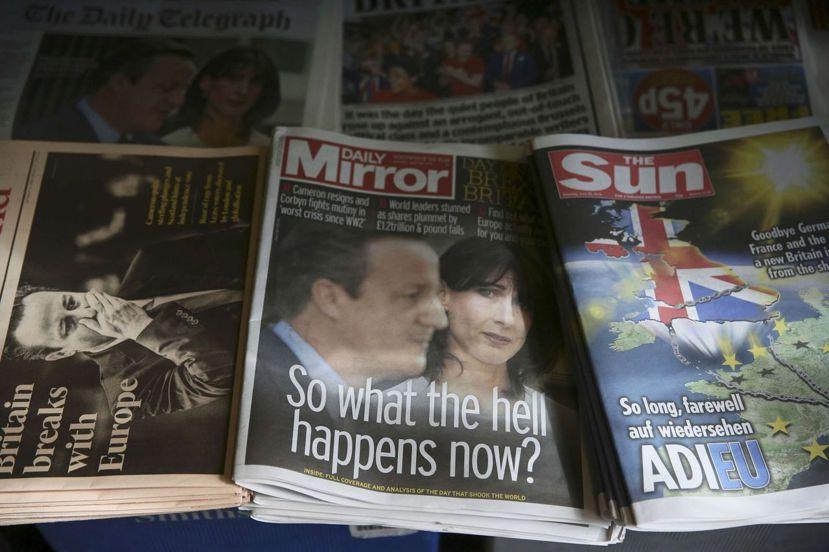 2016年6月25日,公投的明日之後,英國各大報的頭版。 圖/路透社