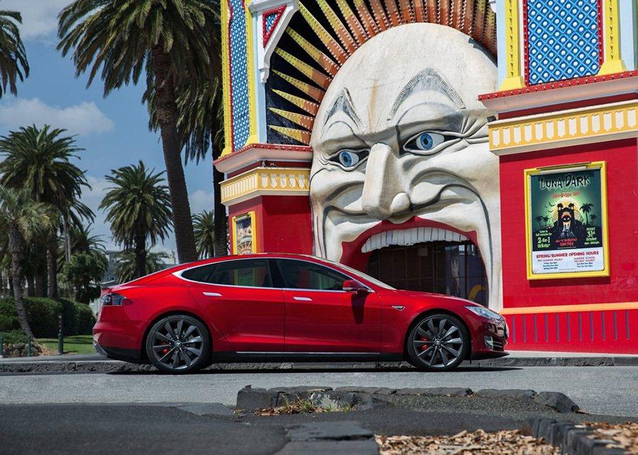 Tesla Model S大型電動轎車 Tesla Model S大型電動轎車
