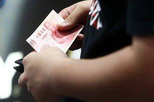 有錢人要怎樣才能夠體驗貧窮?