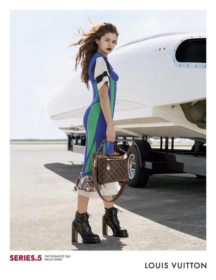 賽琳娜戈梅茲為LV拍攝2016秋冬系列廣告「Series 5」,女英豪之姿展示最...